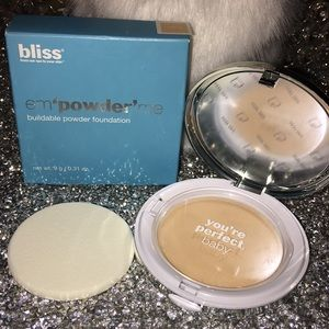 Bliss em'powder' me buildable powder foundation